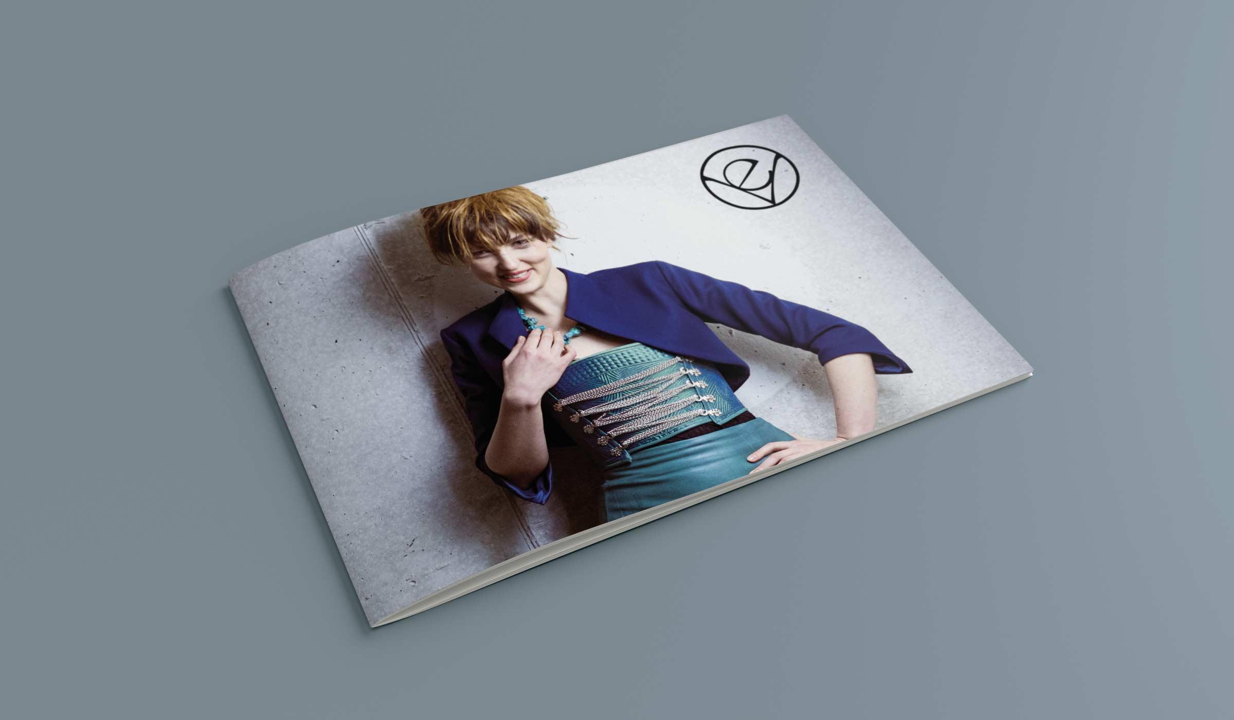 evavioletta_HorizontalA5_Brochure_1-2